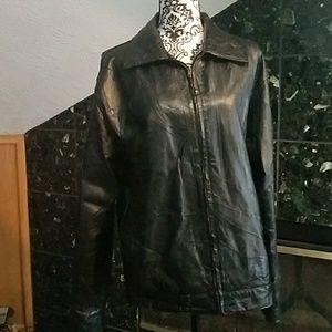 Men's vintage 90's leather jacket.